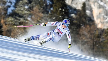 Her knees in pain, Lindsey Vonn considering immediate retirement