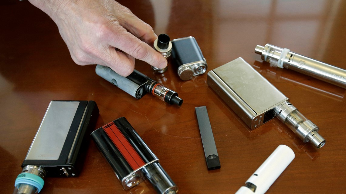 US vaping illness count jumps to 805, deaths rise to 13