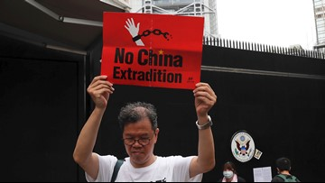 Protesters urge discussion of Hong Kong issue at G-20 summit