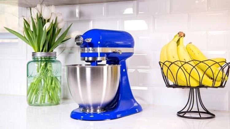 best-kitchen-gifts-2018-kitchenaid-artisan.jpg