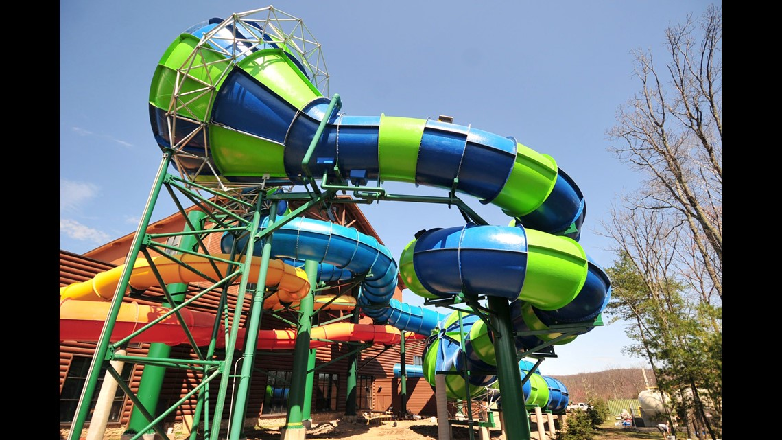 Outdoor waterparks open year-round | kgw com