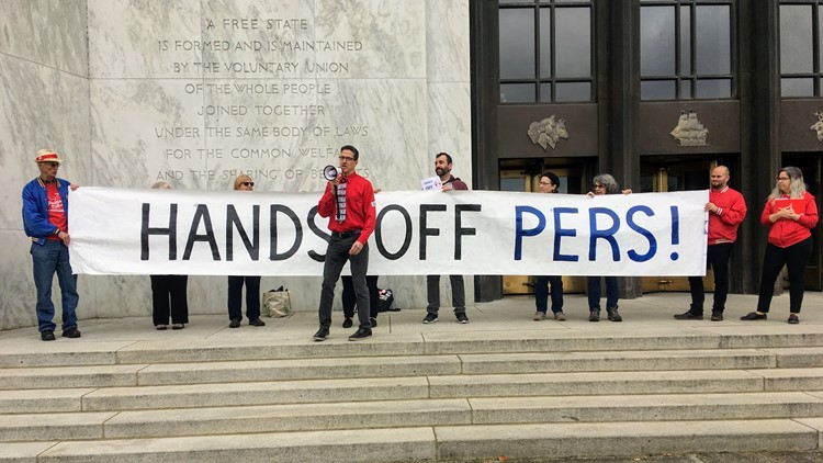 Rally against PERS reform bill at Oregon Capitol