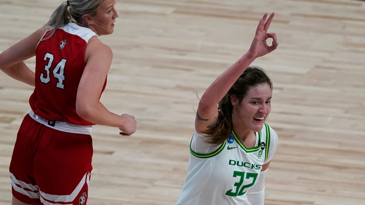 Oregon women hold South Dakota to 9 1st-half points, cruise to 67-47 win in 1st round