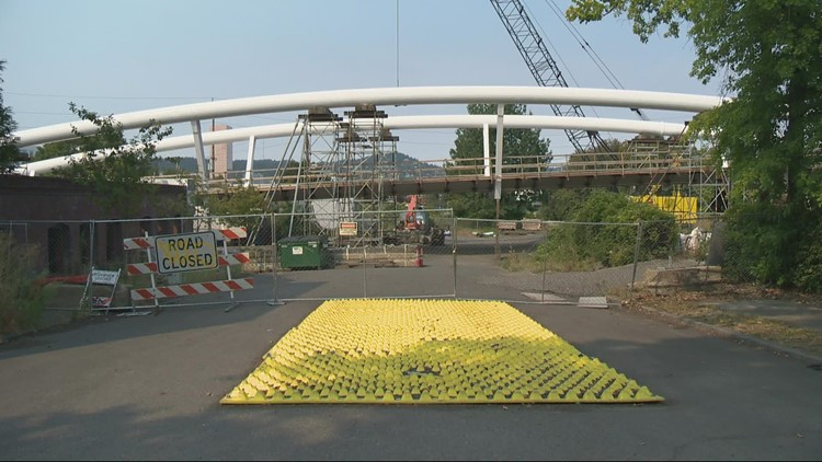 I-84 pedestrian bridge runs into delays