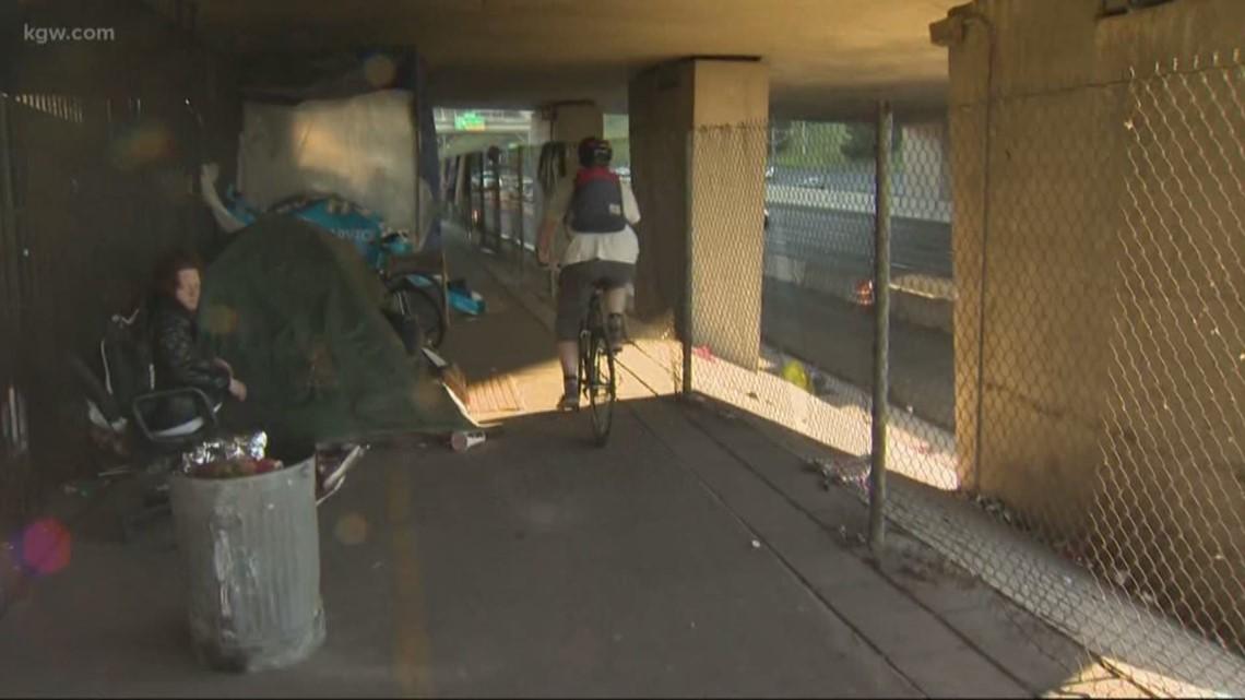 Garbage on I-205 multi-use path