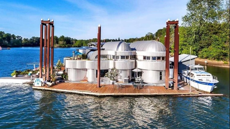 Iconic Portland floating home up for sale
