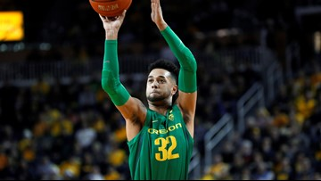No. 10 Oregon outlasts No. 5 Michigan 71-70 in OT thriller