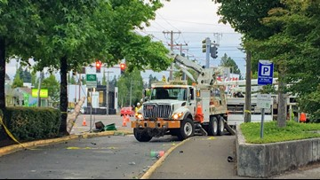 Crash causing long delays for MAX trains; TriMet advises riders to take buses or other transportation