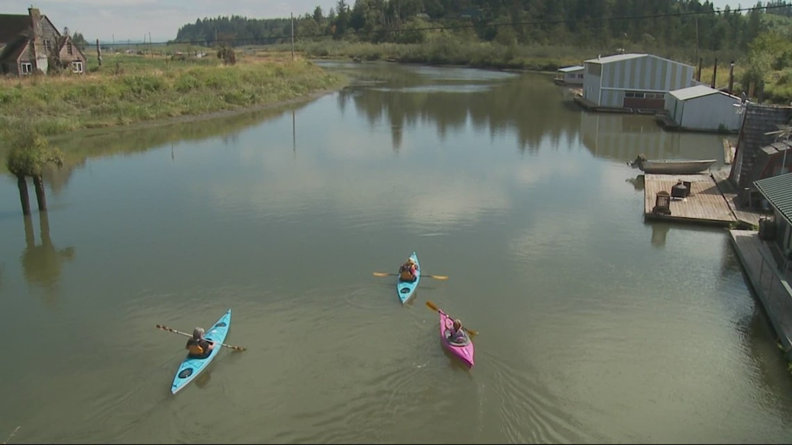 Grant's Getaways: Kayaking in the Lewis and Clark Wildlife Refuge