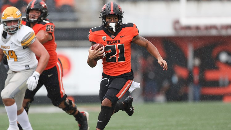 Nolan, Baylor lead Oregon State's rout of Idaho 42-0