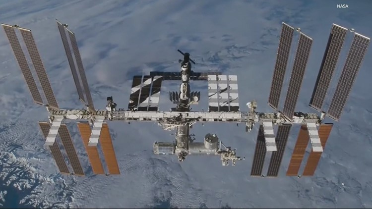 Portland man connects kids to International Space Station from his home