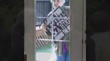 Unable to be by her husband's side, Vancouver woman decided to serenade him
