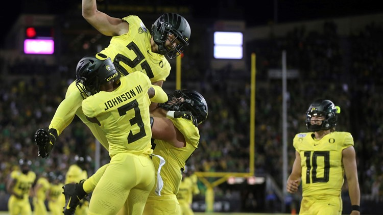 Oregon ranked No. 13 in AP Poll after win over Stanford