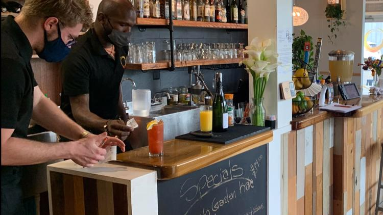 Restaurants get busy with Mother's Day business