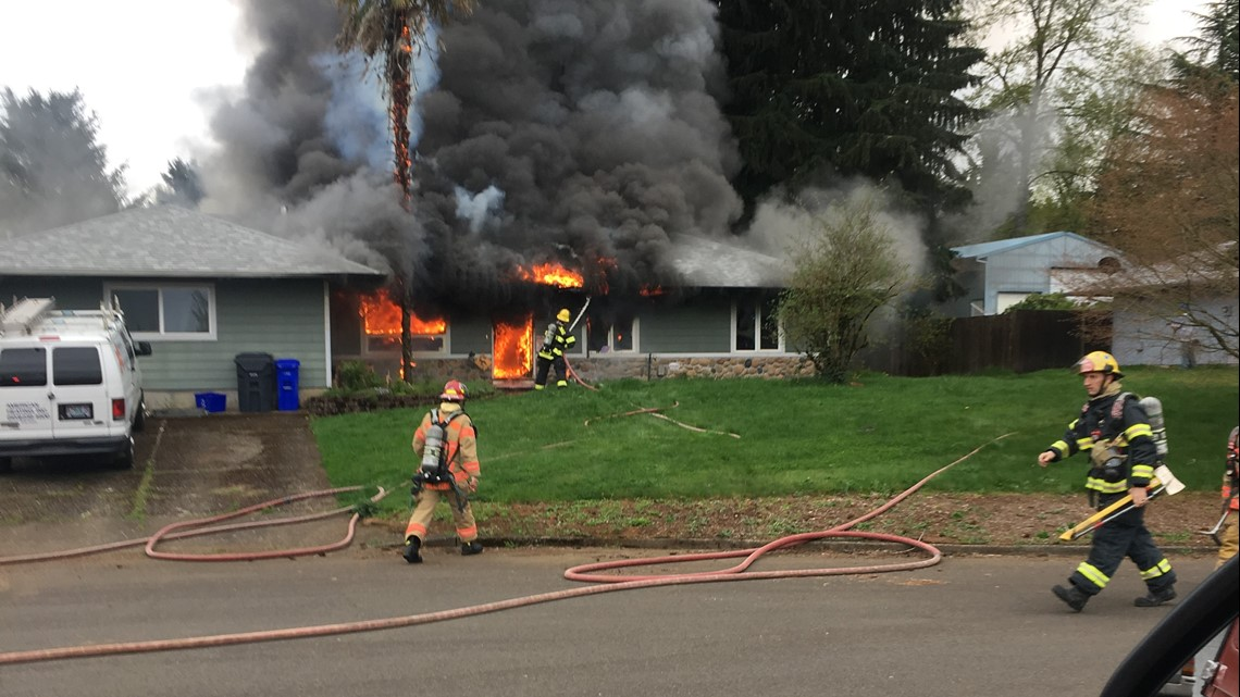 Family displaced, dog dead after Oregon City house fire