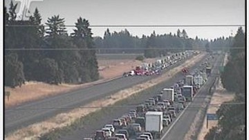 Friday night crash briefly closed I-5 northbound lanes south of Wilsonville