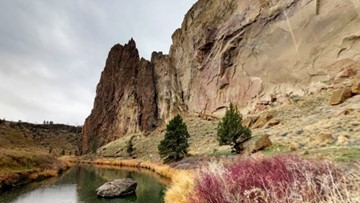 Hiker dies after falling 100 feet at Smith Rock State Park