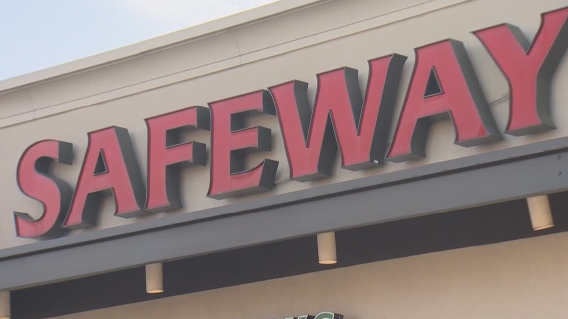COVID vaccination appointments at Safeway, Albertsons