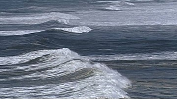 Dead woman pulled from ocean near Lincoln City