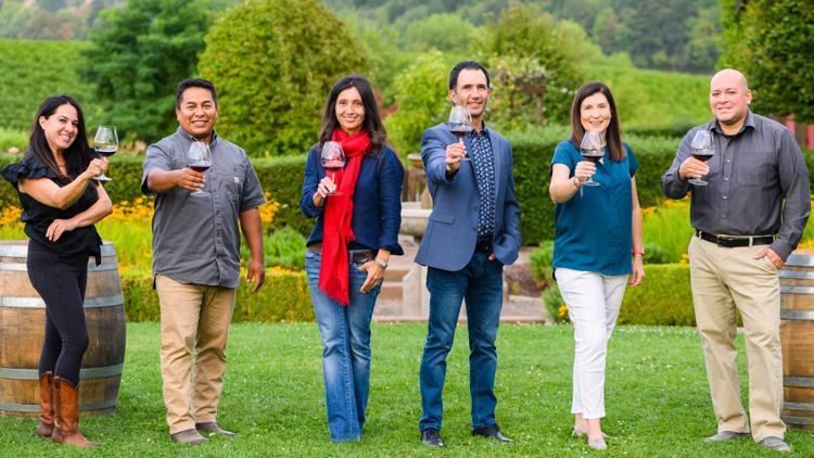 Oregon Latino winemakers pay tribute to Hispanic Heritage Month