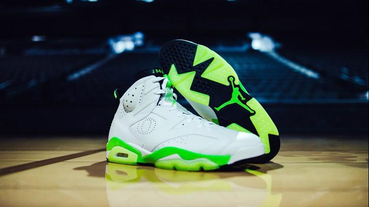 Oregon women s basketball team gets custom Air Jordan 6 sneakers ... 4ff8a5503