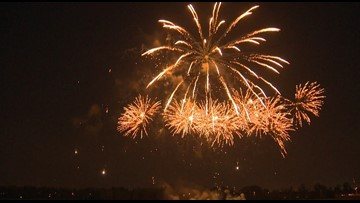 Thousands awed at Fort Vancouver fireworks show
