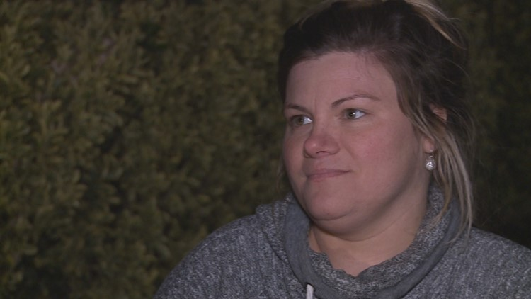 Family stops woman from jumping off overpass in Salem