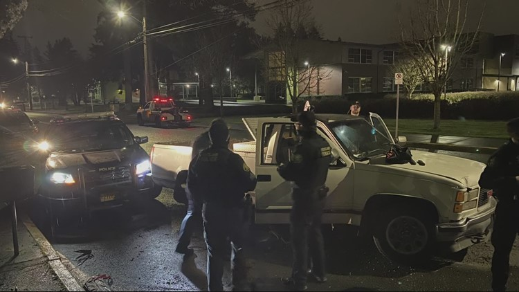 Man tries to ram police cars during standoff in Southeast Portland