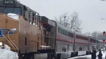 Amtrak train arrives in Eugene after being stuck for 36 hours in Oakridge