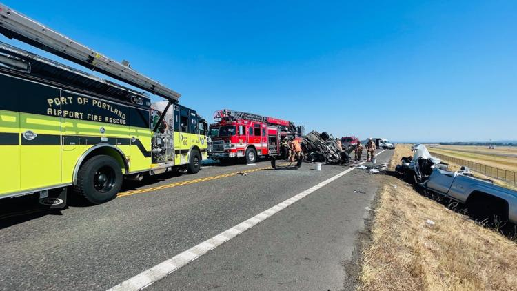 2 killed in head-on crash on Marine Drive near Portland airport