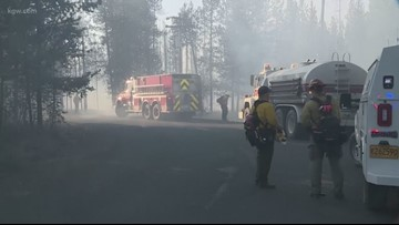 Central Oregon brush fire prompts evacuations, 1 home lost