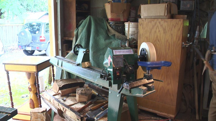 Washougal woodworker spreading message of hope through words and art