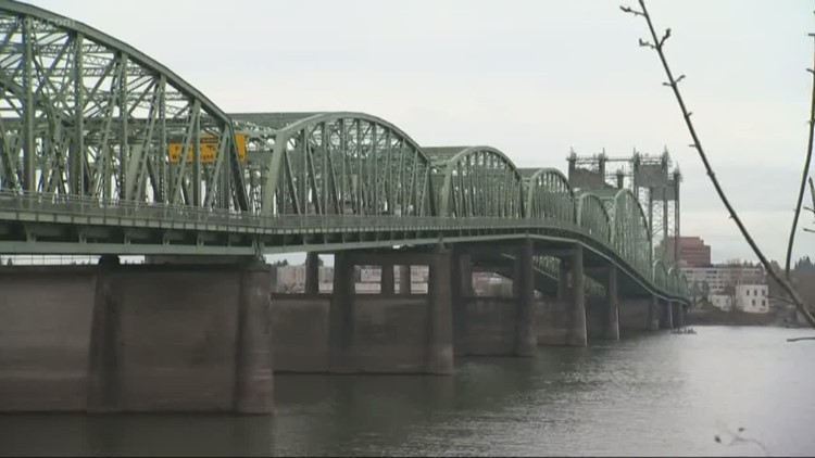 Oregon, Washington governors to talk Interstate Bridge