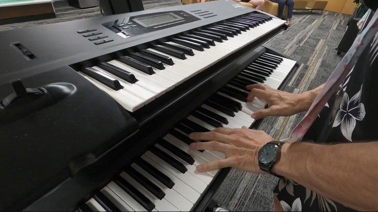 Grammy nominated musician performs private concert for hospice care patient