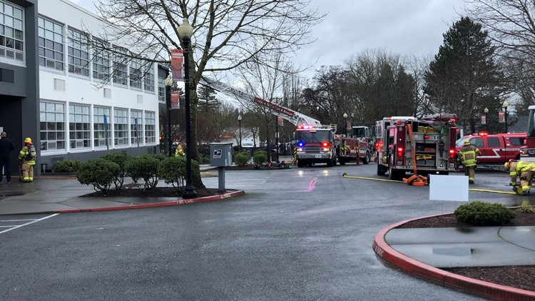 Fire breaks out at Beaverton High School; no one hurt