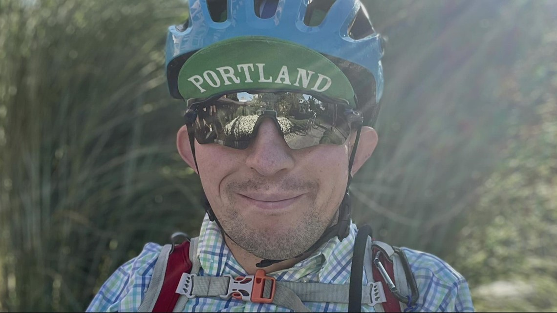 Portland biker born without arms pedals forward