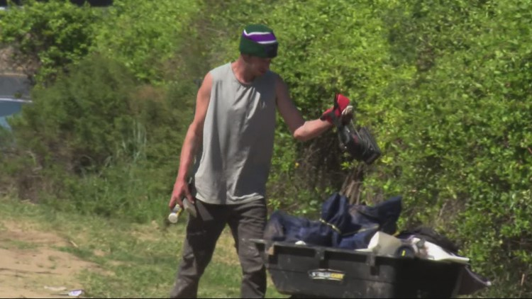 Houseless people being paid $20 an hour to pick up trash in Portland