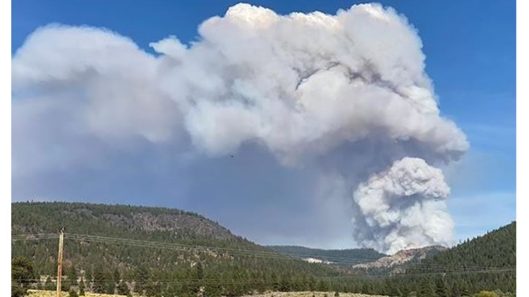 Crews from around Oregon assisting with wildfire growing quickly in southern part of the state