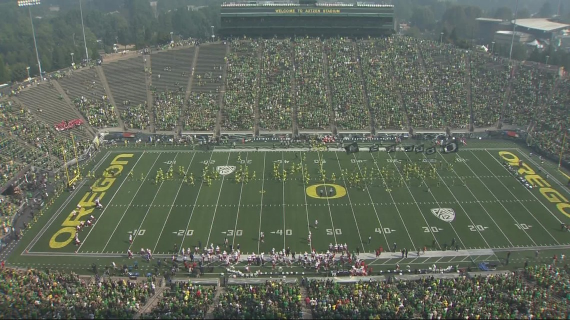 College football games see drop in attendance amid COVID surge, vaccine requirements