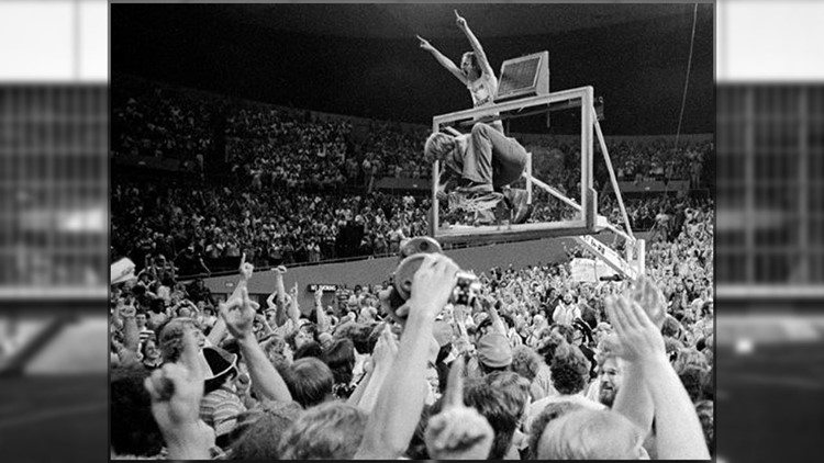 Sunrise Rewind: Blazers, Memorial Coliseum throw it back to 1977