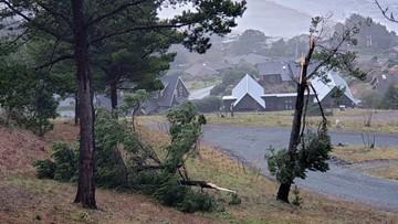 Tornado on Oregon Coast; minor damage reported