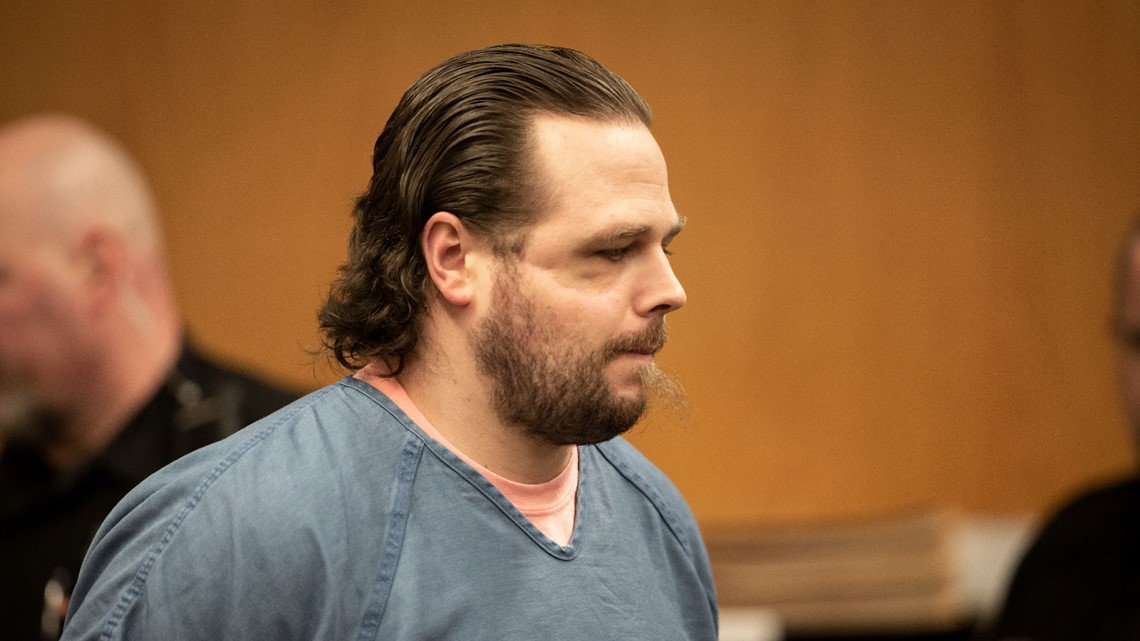 Closing arguments in MAX stabbing trial begin Wednesday