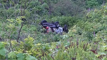 DUII suspect kidnaps two people, leaves one dead after crashing down hillside in Lincoln County, deputies say