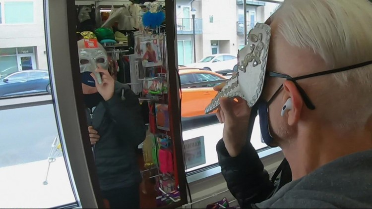 Costume Avenue survives difficult year, ready to get customers dressed up for Halloween