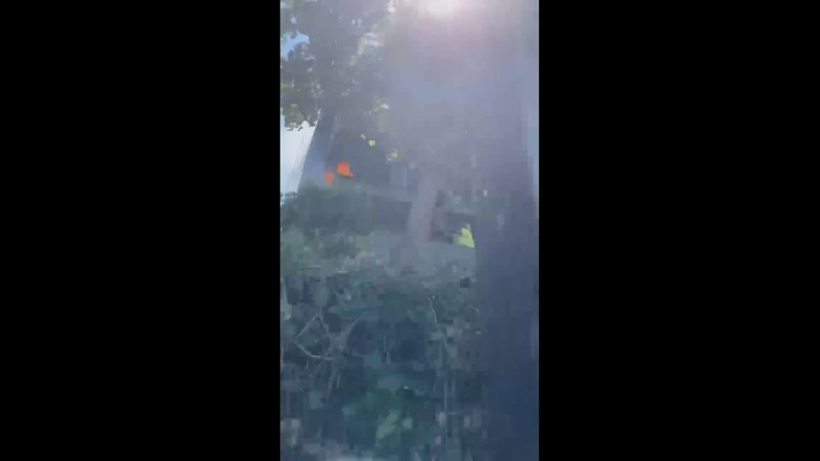 Salem good samaritans put out apartment balcony fire