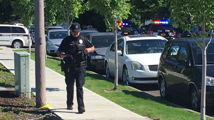 Tow truck driver shot and killed in Hillsboro; suspect in custody