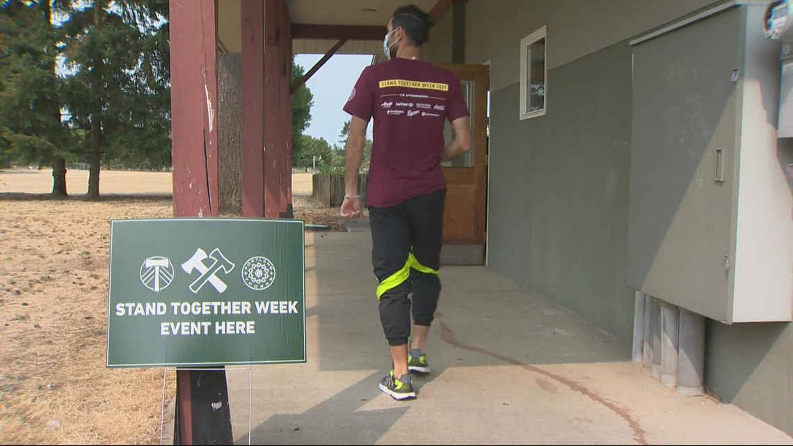 Timbers and Thorns volunteer together for 'Stand Together Week'