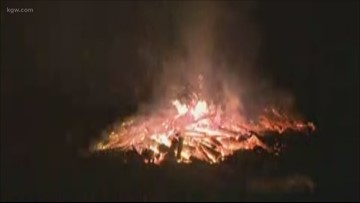 Brush fire threatened homes in Silverton