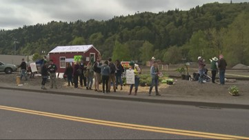 Mistrial in 2019 Oregon oil train trespassing case a victory for the climate, attorney says