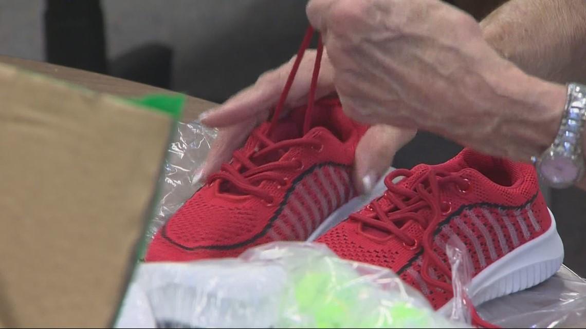 Rotary club donates 400 pairs of shoes to Beaverton kids